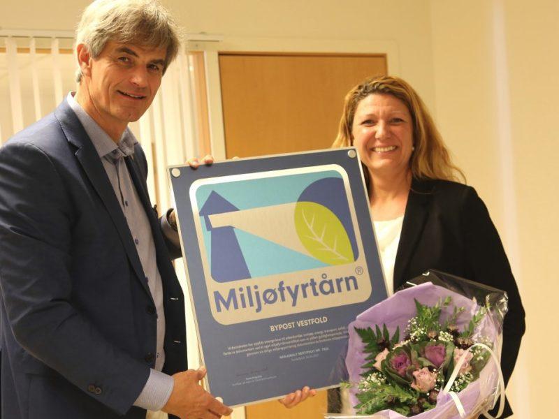 Bypost mottar Miljofytarn-diplomet av ordfører